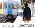 電車通学をする女子高生 19977854