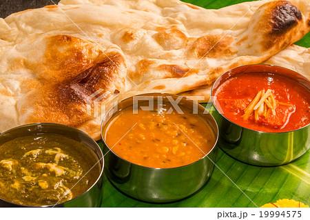 一般的なインドカレー Typical Indian curry set 19994575