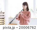 女性 オーボエ 演奏 20006762