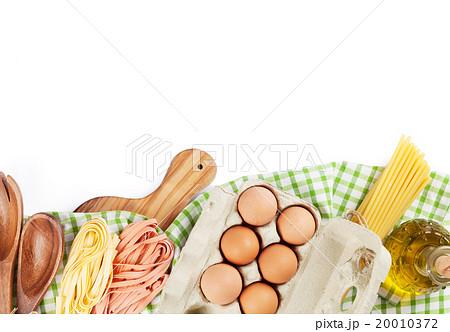 Cooking utensils and ingredientsの写真素材 [20010372] - PIXTA