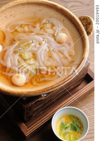 料亭の白魚の柳川風鍋 20019493