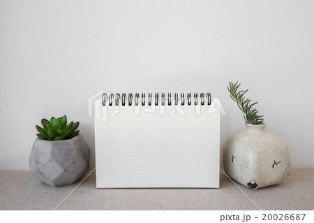 Notepad and succulents pots, room interior mockupの写真素材 [20026687] - PIXTA