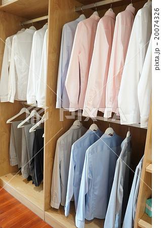 ワイシャツの陳列 20074326