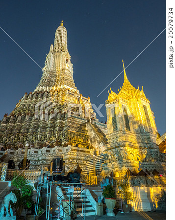 Light effect of pagoda of dawn temple