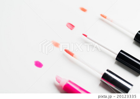 close up of lip gloss tubesの写真素材 [20123335] - PIXTA