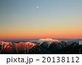 南アルプス・観音岳から朝焼けの仙丈ヶ岳と月 20138112