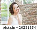 若い 女性 美容の写真 20231354