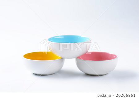 Empty round bowlsの写真素材 [20266861] - PIXTA