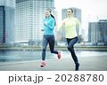 ジョギングランニングをする女性 20288780
