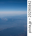 【上空素材】雪が残る山脈上に広がる青空 20290842