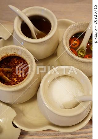 Kruang Prung(タイ料理の4種類の卓上調味料:クルワンポン) 20320715