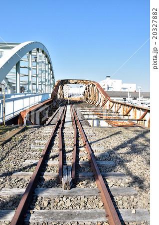 瑞穂橋と廃線となった貨物線の鉄橋 20327882