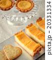チーズタルトとクッキーのティータイム 20331334