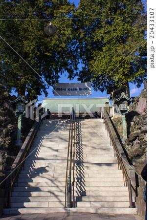 成田山新勝寺、大本堂に向かう石段 20433107