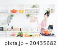主婦 キッチン 女性の写真 20435682