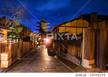 Japanese old town and Yasaka Pagoda in Kyoto 20448358