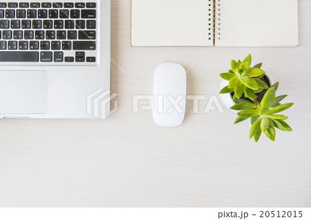 Business desk  on white tableの写真素材 [20512015] - PIXTA