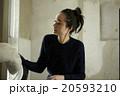 家事をする女性 20593210