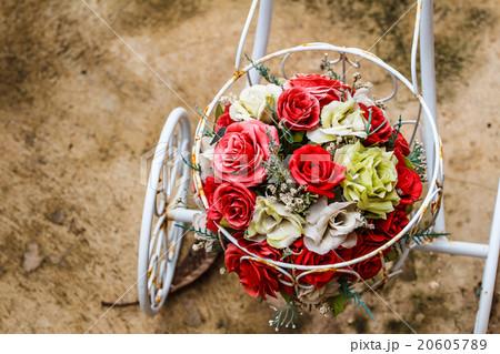 Bouquet of Flowers on a bikeの写真素材 [20605789] - PIXTA