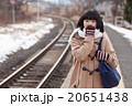 電車通学をする女子中学生 20651438