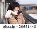 電車通学をする女子中学生 20651448