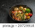 チチキンのローズマリー香草焼きHerb firing of the chicken 20729918