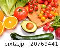 ヘルシーな野菜や果物の食材イメージ。 20769441