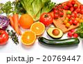 ヘルシーな野菜や果物の食材イメージ。 20769447