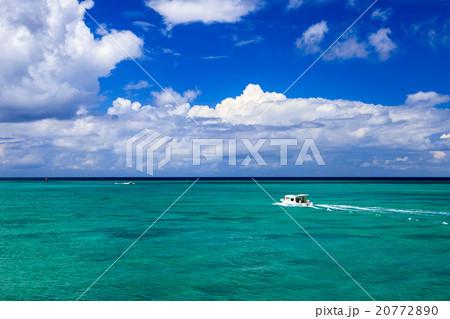 青い海 青い空 船 20772890