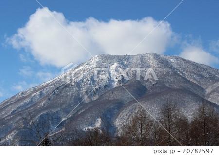 冬晴れの信州の黒姫山 20782597
