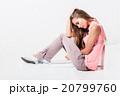疲労 女 女の人の写真 20799760