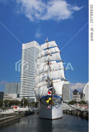 帆船日本丸の総帆展帆・満船飾 20799930