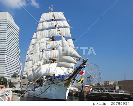 帆船日本丸の総帆展帆・満船飾 20799934
