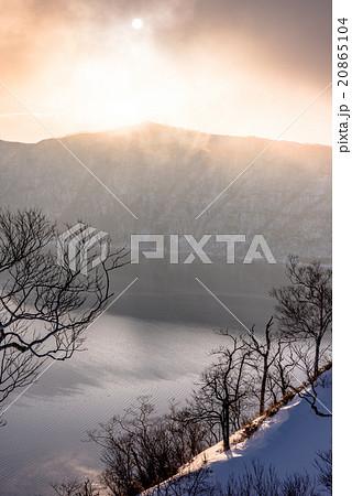 摩周湖の朝霧 20865104