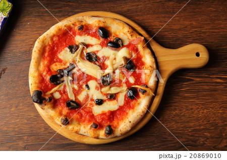 ピザ カプリチョーザ 20869010