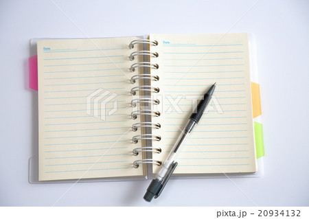 メモ帳とペンの写真素材 [20934132] - PIXTA