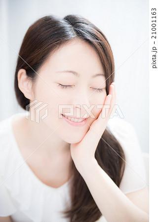 ビューティー 美容 女性 21001163