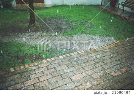 雨の日 21090494