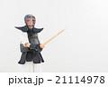 剣道をする女性 21114978