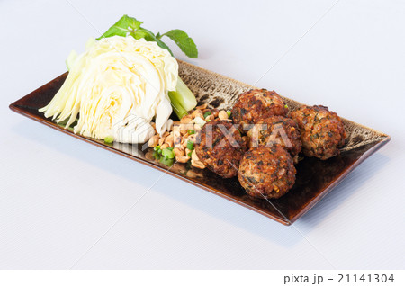 Fried Spicy Minced Meat Saladの写真素材 [21141304] - PIXTA