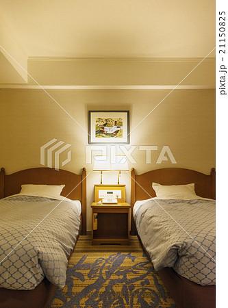 ホテル ベッド イメージ素材 21150825