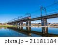 多摩川を通過する電車 21181184