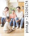 4人家族のライフスタイル 21204174