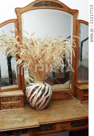 Dresser With Mirrorの写真素材 [21217715] - PIXTA