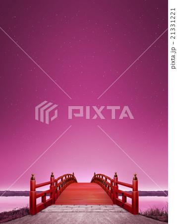 縦長 日本式 橋 木製 朱塗り 夜 紫色 CG 21331221