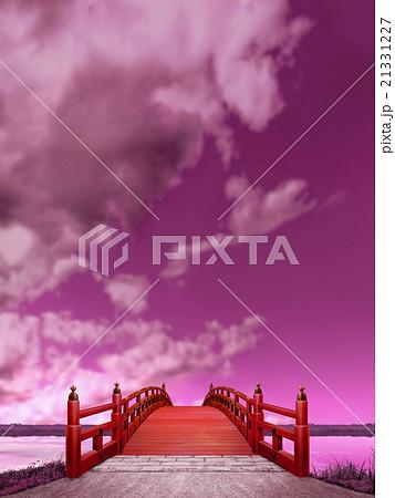 縦長 紫色 日本式 橋 木製 朱塗り 夜景 雲 CG 21331227