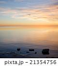 静か 水 日が沈むの写真 21354756