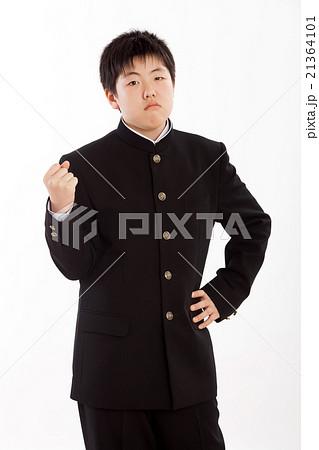 学生服を着た中学一年生 21364101