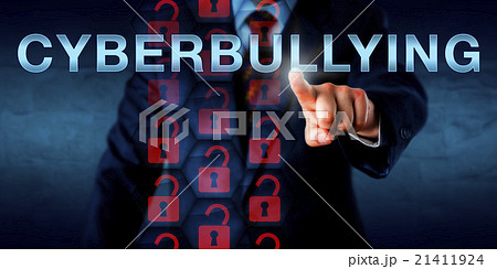 Anonymous Cyberbully Pressing CYBERBULLYINGの写真素材 [21411924] - PIXTA