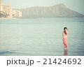 ハワイを観光する女性 21424692